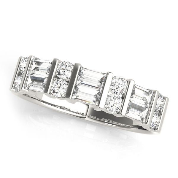White-Round-And-Baguette-Diamond-Ring2